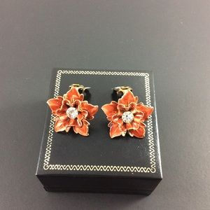 Vintage rhinestone and enamel clip on earrings.
